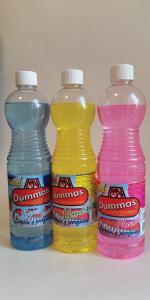 Fregasuelos Dummas disponible en tres fragancias: Brisa Marina, Limón y Floral